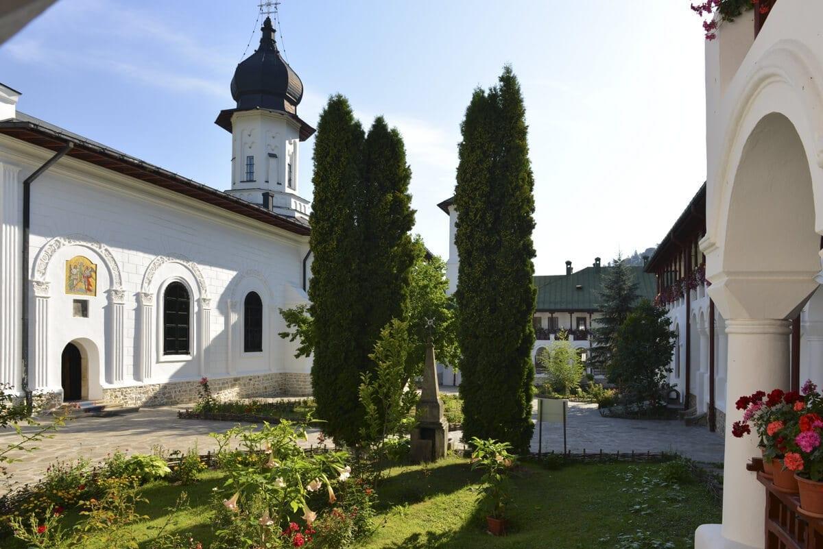 Manastirea-Agapia - Clement Apartments - Cazare Neamt - monumenteneamt.ro
