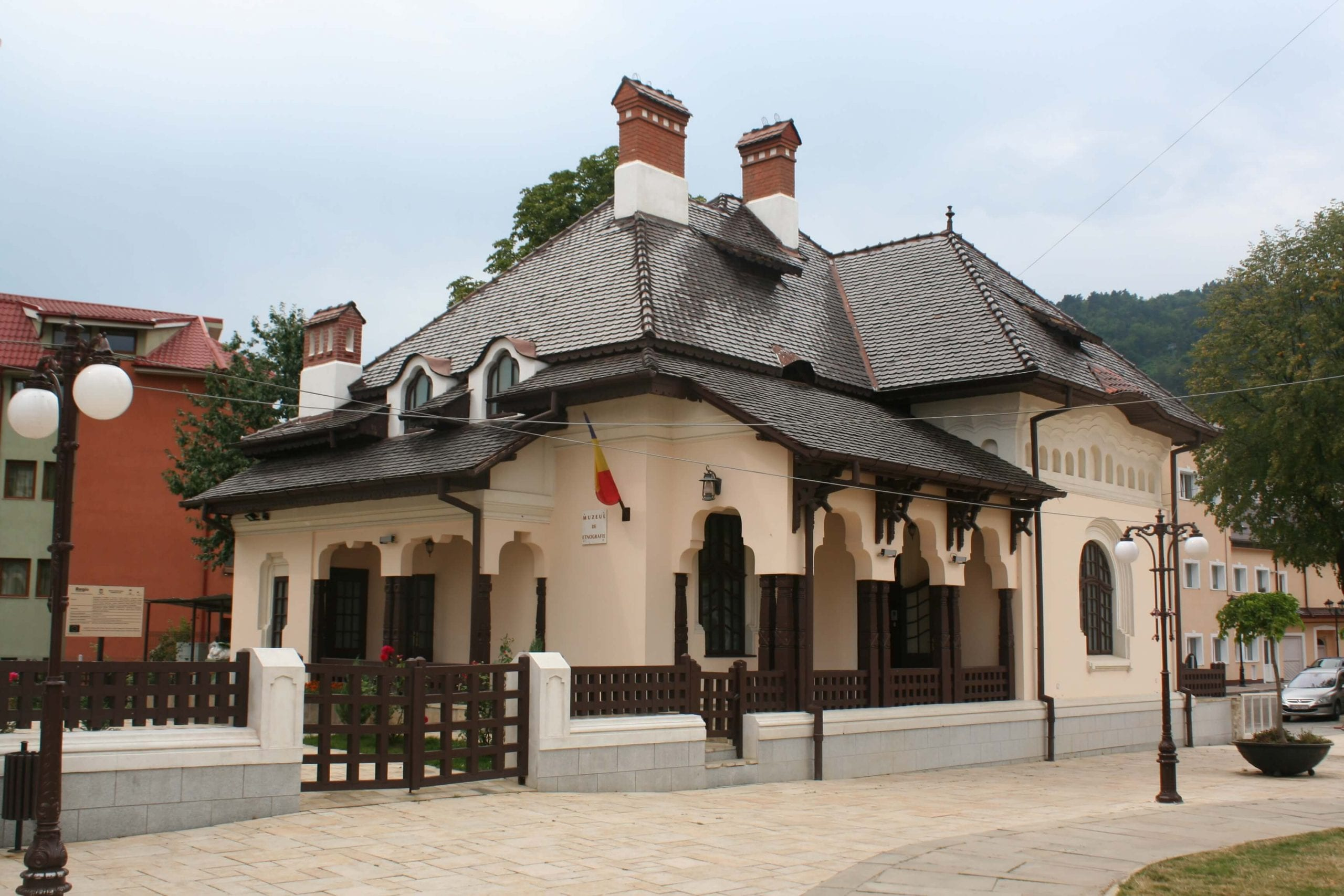 muzeul-de-etnografie - Clement Apartments - Cazare Neamt - cniptpiatraneamt.ro