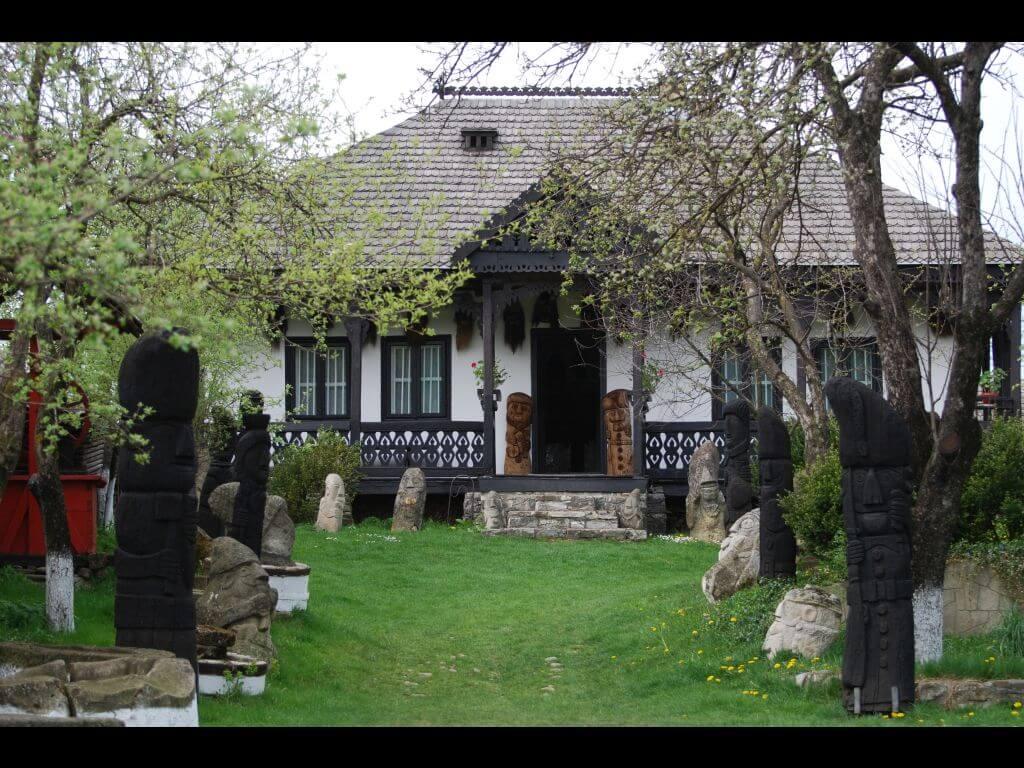 muzeul popa - Clement Apartments - Cazare Neamt - viziteazaneamt.ro
